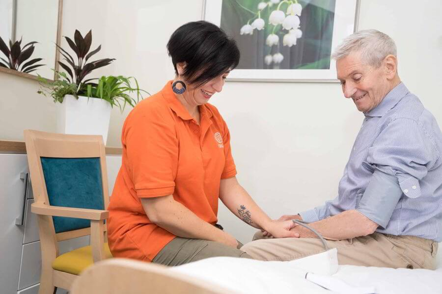 Opieka prowadzona jest w specjalnie wydzielonej części obiektu, podzielonej na kilkunastoosobowe klastry, każdy z własną świetlicą i zapleczem pielęgniarskim.